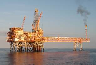 Offshore Platform - simon morris - FreeImages