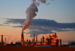 �South Africa produces 50 per cent of fuel needs from local oil refineries�