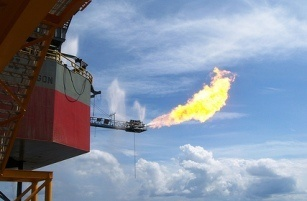 Shell and PTT fight for Cove ends - gas flare